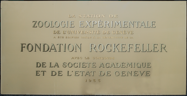 Old entrance plate of the Zoology Institute in Malagnou